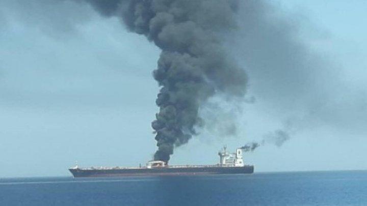 EXPLOZII PUTERNICE în Golful Oman. Două petroliere, lovite în urma unui atac suspect