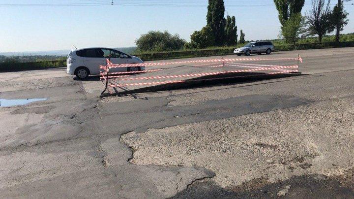 ATENȚIE ȘOFERI! Lucrări de reparație pe șoseaua Hâncești
