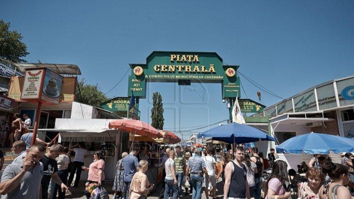 MAI și CNA fac controale la Piața Centrală din Capitală