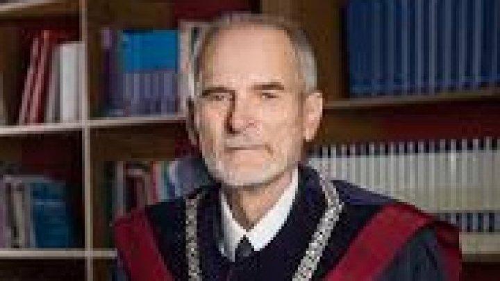 VICTOR POPA, fost judecător la Curtea Constituţională confirmă: Preşedintele este OBLIGAT să dizolve Parlamentul