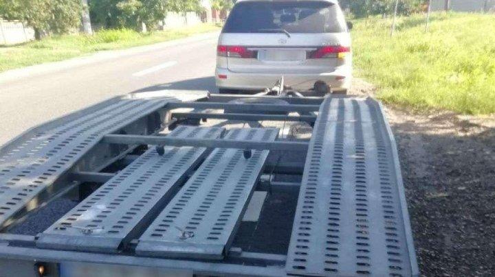 A vrut s-o facă pe şmecherul? Ce a declarat un moldovean, fiind prins la frontieră fără permis de conducere necorespunzător