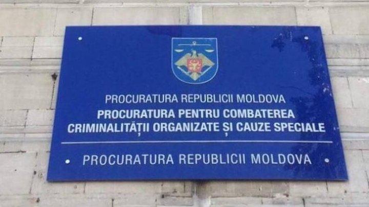 Procurorii PCCOCS fac PRECIZĂRI privind cauza penală pe numele lui Renato Usatîi