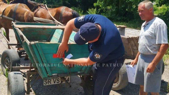 Pentru a evita accidentele, poliţiştii de patrulare au venit cu RECOMANDĂRI pentru căruţaşi (FOTO)