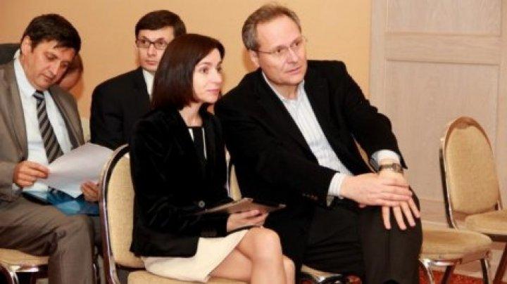 Editorialist, despre biografie plină de semne de întrebare a premierului Maia Sandu şi cumatrismul din Guvern