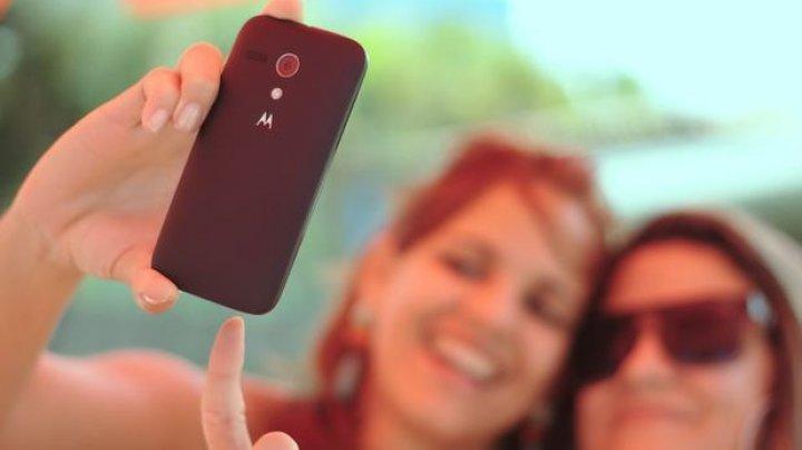 STUDIU: Cum poate grăbi selfie-ul procesul de îmbătrânire al pielii