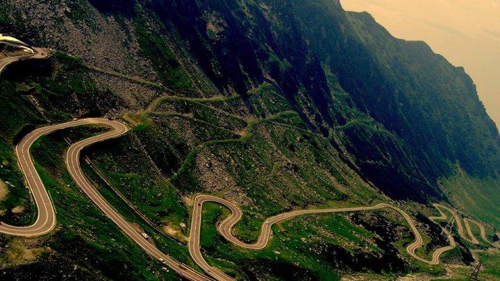 S-a REDESCHIS circulaţia pe TRANSFĂGĂRĂŞAN, una dintre cele mai spectaculoase şosele din Europa