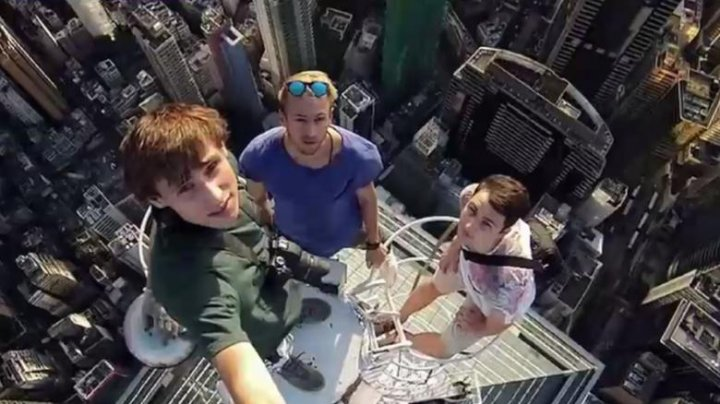 Cel putin 259 de oameni au murit în timp ce își făceau selfie, în ultimii 6 ani