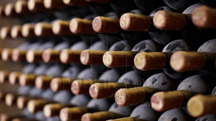 Turismul vitivinicol ia avânt. Tot mai mulţi străini aleg să viziteze vinăriile din Moldova