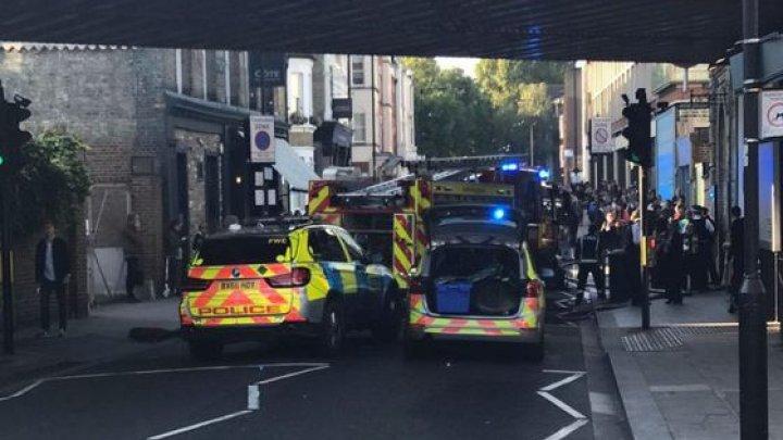 O bombă a fost descoperită la bordul maşinii unui agent de poliţie din Irlanda de Nord