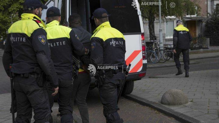 Poliţia din Olanda a confiscat 2,5 tone de metamfetamină, cea mai mare captură de astfel de droguri din Europa