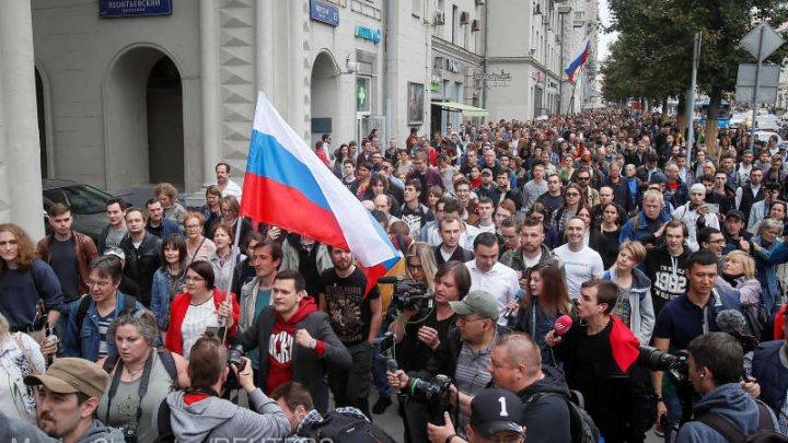 27 de candidaţi au fost excluşi din cursa pentru Parlamentul Moscovei