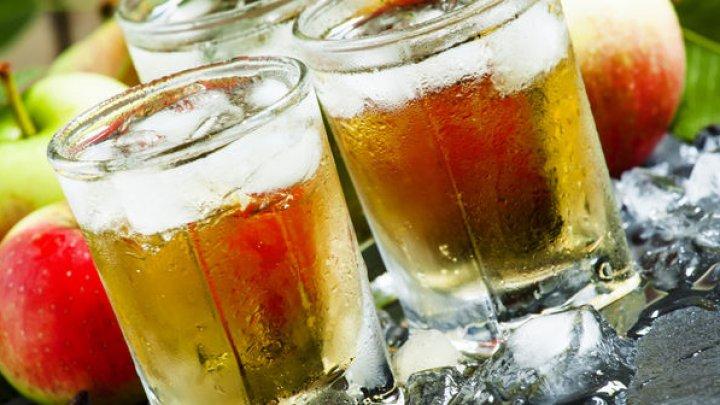 Află care sunt cele șapte băuturi mai hidratante decât apa
