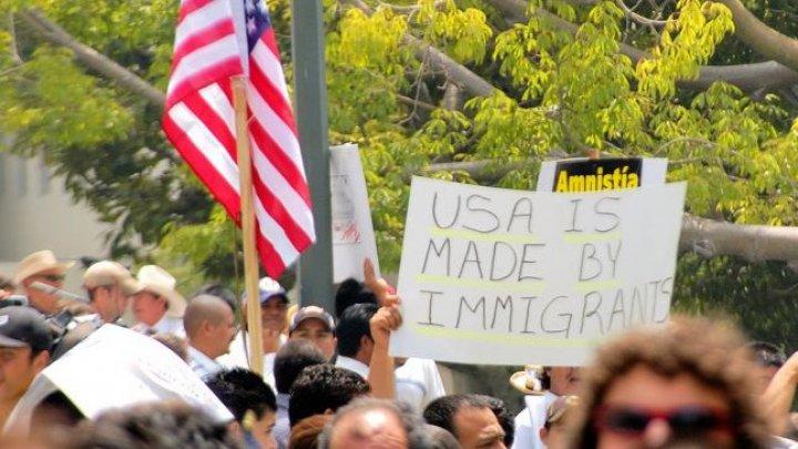 SUA se pregătesc să aresteze începând de duminică mii de membri ai unor familii de imigranţi