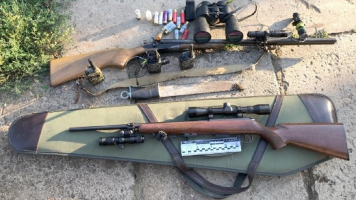 Arme și muniții ridicate de polițiști. Ce relaţii de prietenie cu autorităţile din regiunea transnistreană are unul din membrii grupării