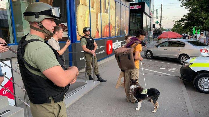 Un orb ar fi fost lovit și dat afară dintr-un magazin din Capitală, unde a venit să-și cumpere pâine (FOTO)