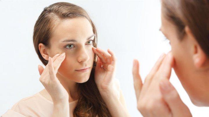 Ce să faci dacă te-ai trezit cu faţa umflată. Remedii eficiente