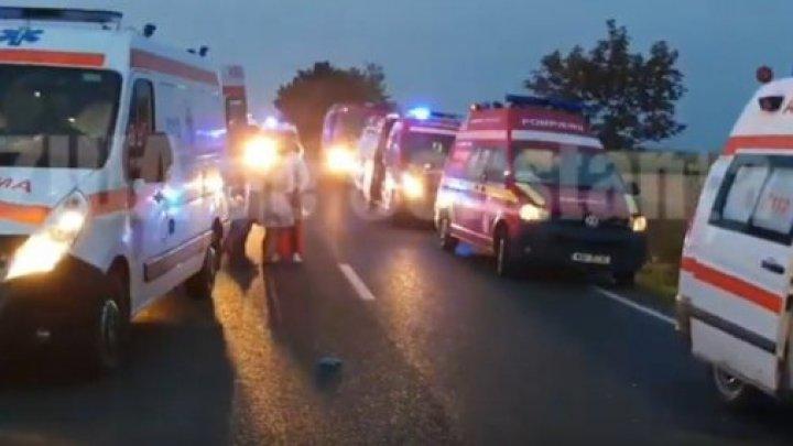 Accident GRAV în România. Trei oameni au murit, iar șapte au fost încarcerați (VIDEO/FOTO)