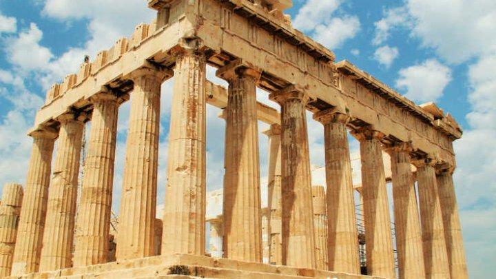 Grecia a închis Acropole pentru a proteja turiştii de valul de caniculă care a cuprins Atena