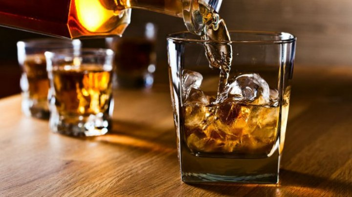 STUDIU: Riscul de a deveni alcoolic, ușor de depistat