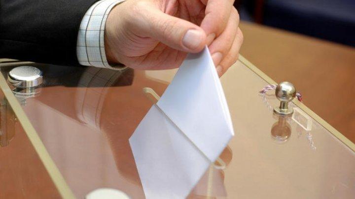 Igor Dodon a promulgat legea care prevede anularea sistemului mixt de vot