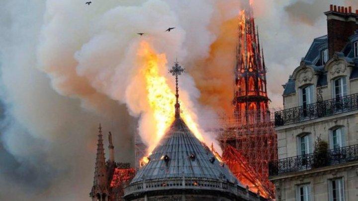 ANUNŢUL ÎNGRIJORĂTOR făcut de un arhitect privind catedrala Notre-Dame din Paris