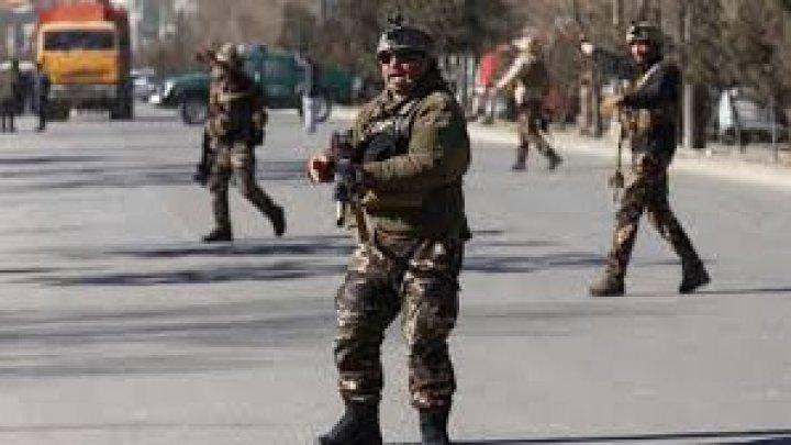 Afganistan: Mai mulţi morţi şi răniţi la Kabul, într-un atac în curs asupra biroului unui partid
