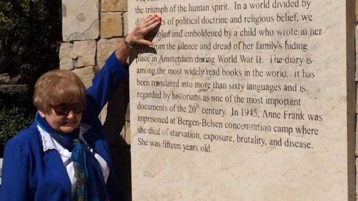 Eva Mozes Kor, o supravieţuitoare a Holocaustului A MURIT. Muzeul CANDLES va fi închis până marţi în onoarea ei