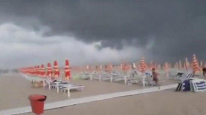 Furtunile au făcut prăpăd pe coasta Adriatică a Italiei. Panică în rândul turiștilor