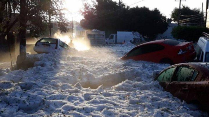 Imagini de coșmar în Mexic. Gheață de 150 centimentri pe străzi (VIDEO)