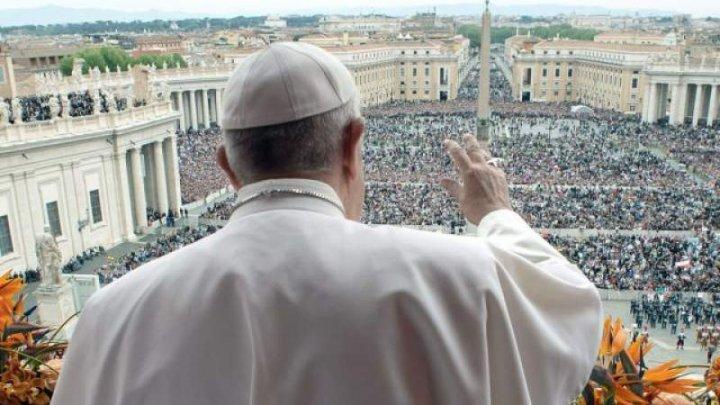 Papa Francisc condamnă prostituţia: Este un viciu dezgustător