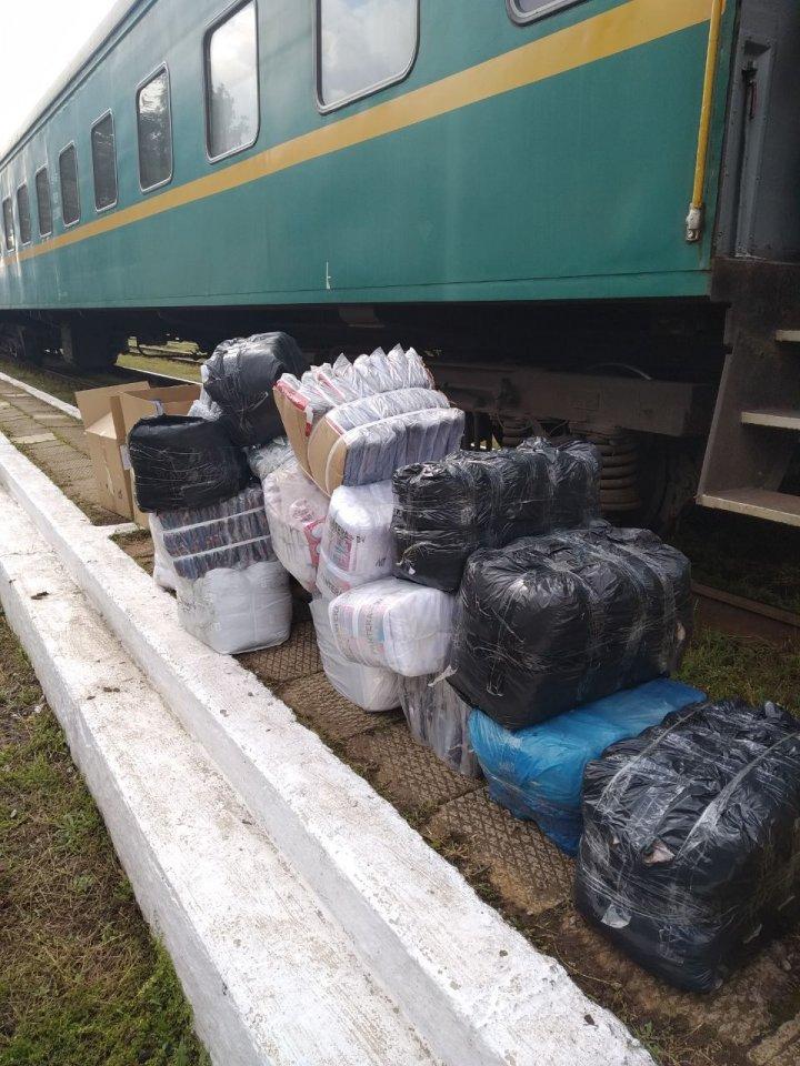 Mărfuri în valoare de 300.000 de lei, reținute de echipele mobile ale vămii (FOTO)