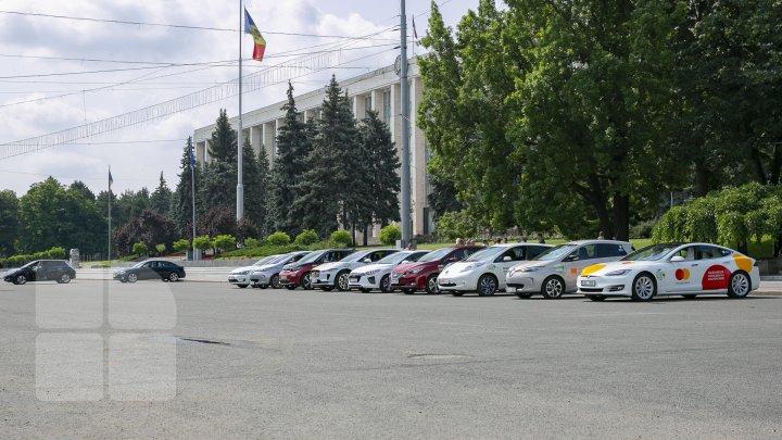 Primăria Chișinău promovează utilizarea automobilelor electrice (FOTOREPORT)