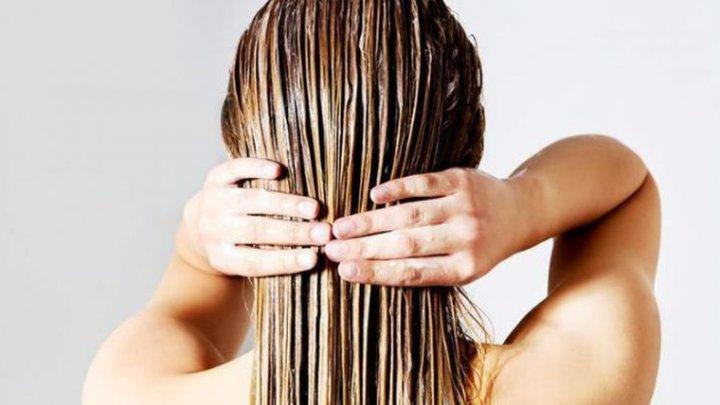 Trebuie să ştii asta: Vei renunţa la balsam! Această mască naturală face minuni cu părul tău
