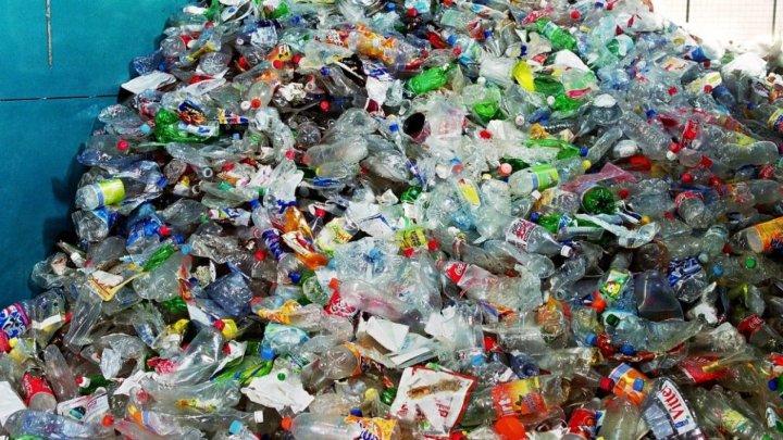Indonezia retrimite deşeuri de plastic în mai multe ţări dezvoltate