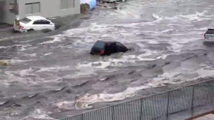 INUNDAŢII DEVASTATOARE în Japonia: Sunt morţi, răniţi, iar peste un milion de oameni, evacuaţi