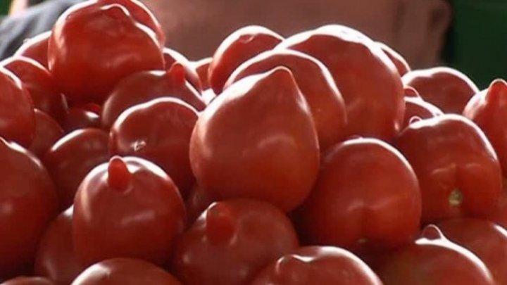 Mai mănânci? Adevărul despre roșiile cu ţugui. Cercetătorii trag un semnal de alarmă