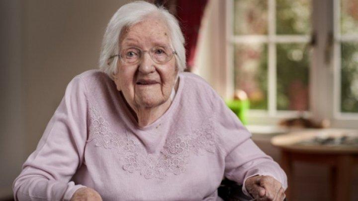 O femeie de 102 ani a dezvăluit secretul tinereții veșnice