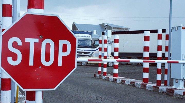"""COZI IMENSE la postul vamal """"Giurgiulești-Galați"""". Transportatorii de mărfuri, îndemnaţi să opteze pentru un alt punct de trecere"""