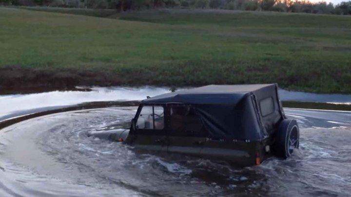 TRAGEDIE: Cel puţin zece persoane, inclusiv şase copii, au murit după ce un vehicul s-a răsturnat într-un râu din Rusia