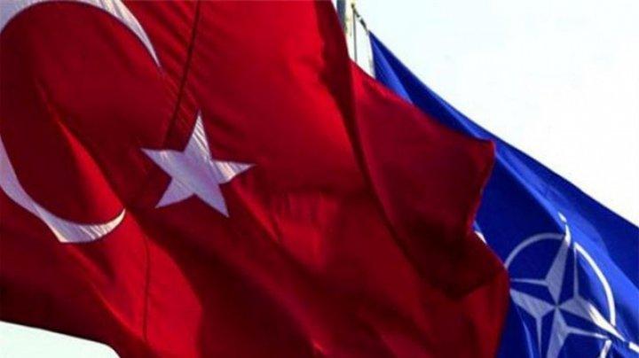 NATO avertizează Turcia, după ce a primit primele componente ale sistemului rusesc de rachete S-400