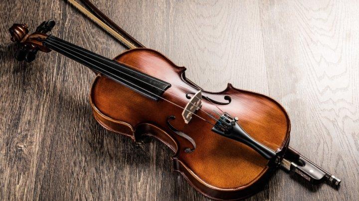 Culmi atinse: Violonistul din Moldova Chiril Maximov, celebru la Viena