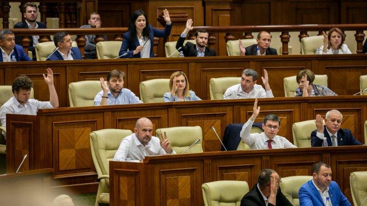 Anularea votului mixt, votată în a doua lectură