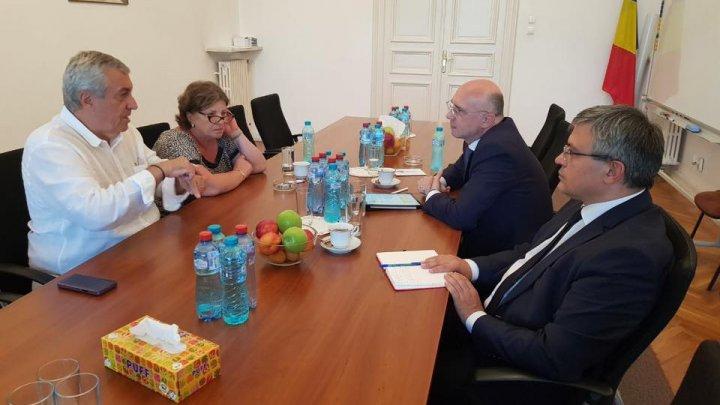 Pavel Filip, la Bucureşti: Acțiunile noii guvernări lovesc dur în democrație, în statul de drept, în parcursul european