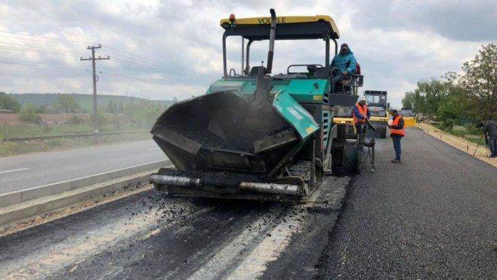 Probleme la construcția drumului Ungheni–Chișinău. Motivul pentru care muncitorii sunt în grevă de trei zile