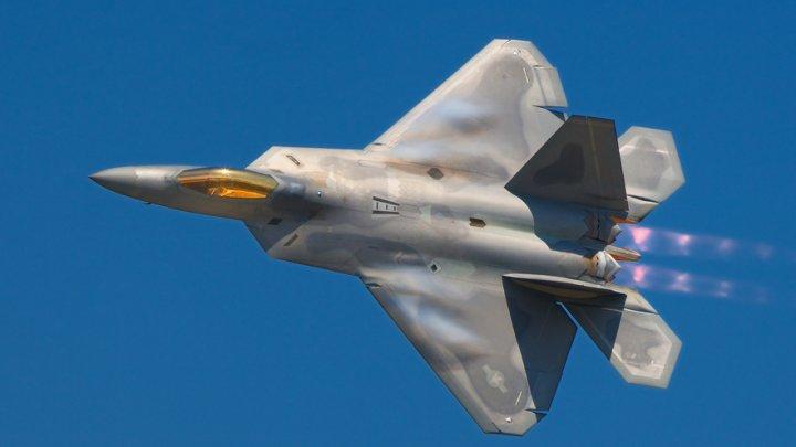 Turcia ar putea achiziţiona avioane Su-35 şi Su-57 din Rusia