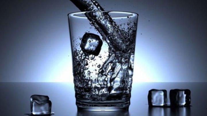 Mit spulberat: Băuturile reci nu dăunează gâtului, dacă nu există alte probleme de sănătate