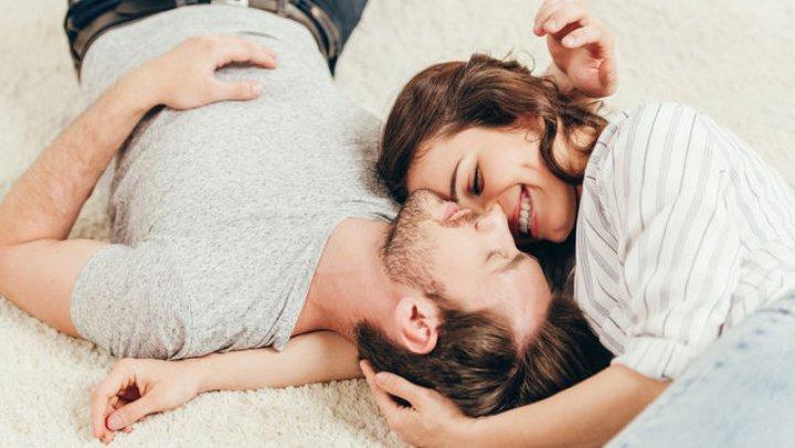 Bine de ştiut: Cum să îl faci să se îndrăgostească profund de tine