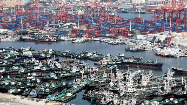 Japonia, lovită de taifunul Francisco: Peste 100 de zboruri au fost anulate