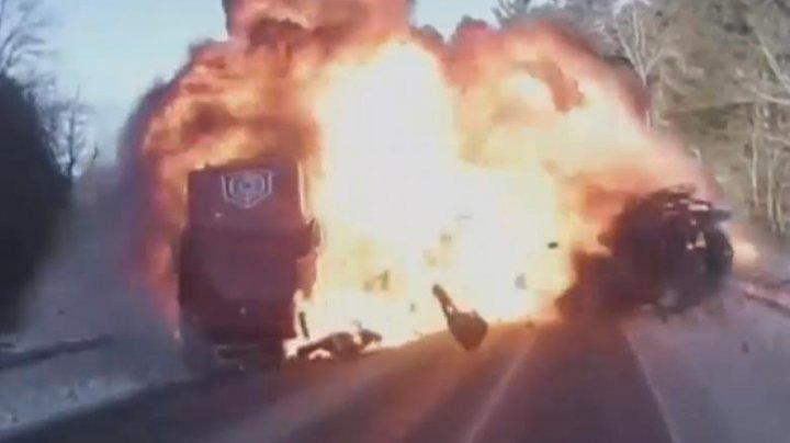 Accident exploziv în SUA, după o intenție de depășire inexplicabilă