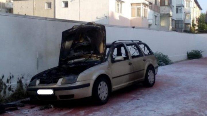 Un preot din România a incendiat mașina soției. Motivul este incredibil
